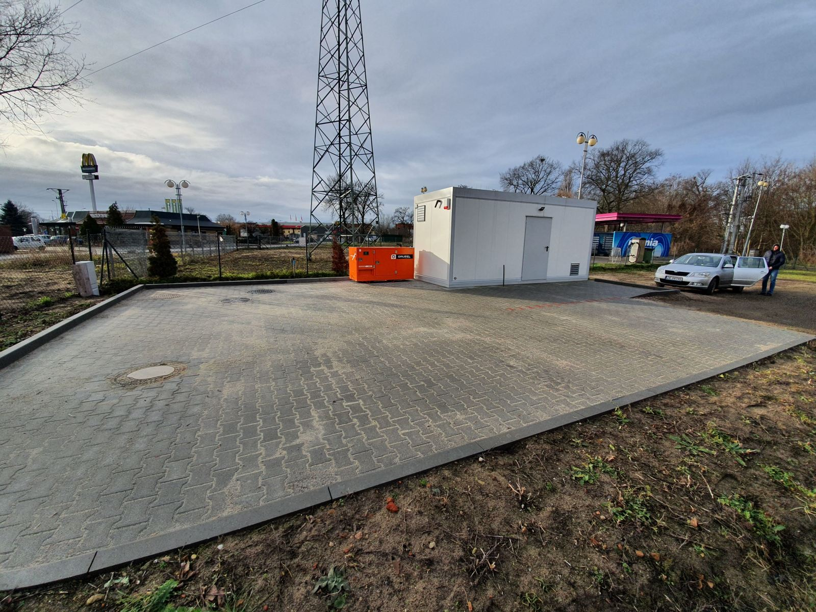 Zastąpienie lokalnej niewydolnej oczyszczalni ścieków rurociągiem tłocznym  ze Starego Kostrzyna do ul. Sikorskiego  w Kostrzynie nad Odrą.